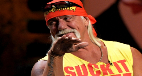Hulk Hogan Returns on WWE Monday Night Raw