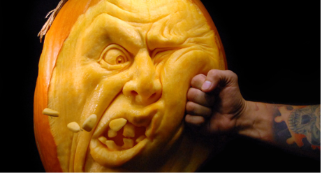 15 Amazingly Detailed Jack-O-Lanterns