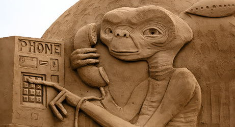 Awesomely Retro Sand Sculptures