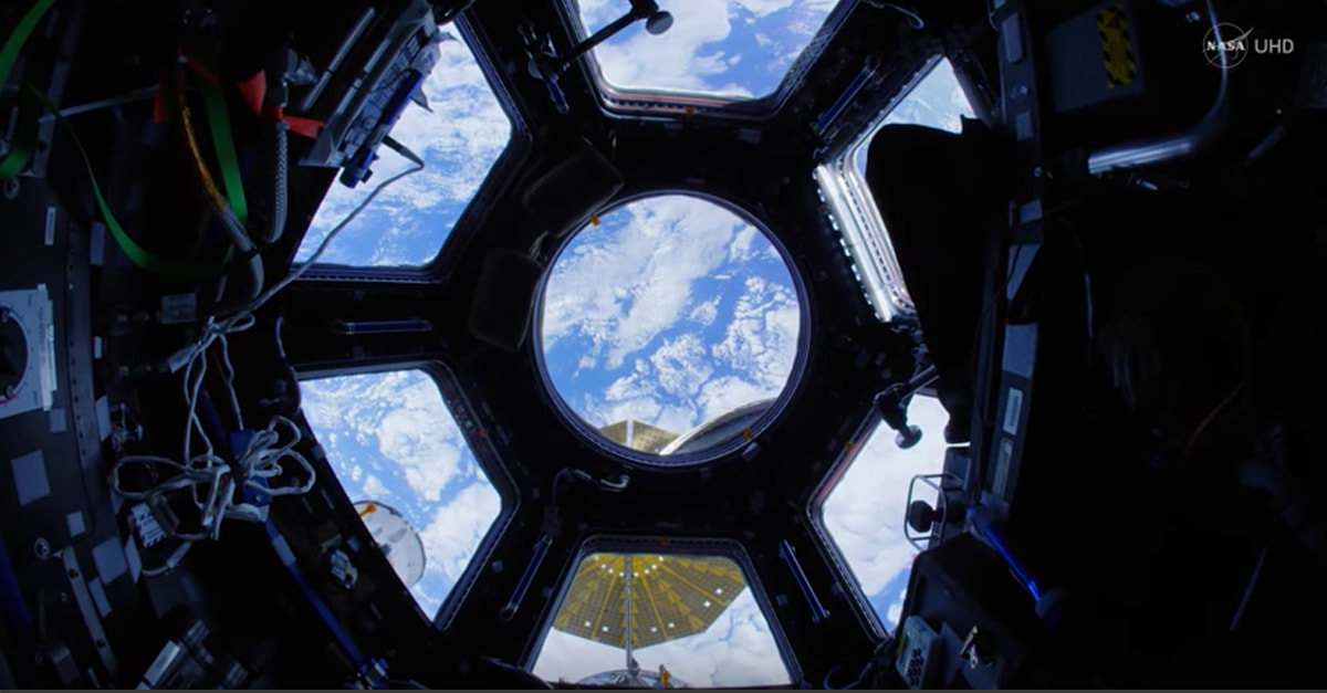 Flying Through NASA Space Station Is Just Like Being In A Video Game