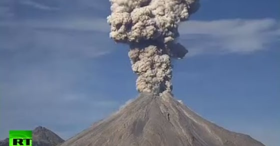 Watch This Spectacular Footage of Mexico's Colima Volcano Eruption