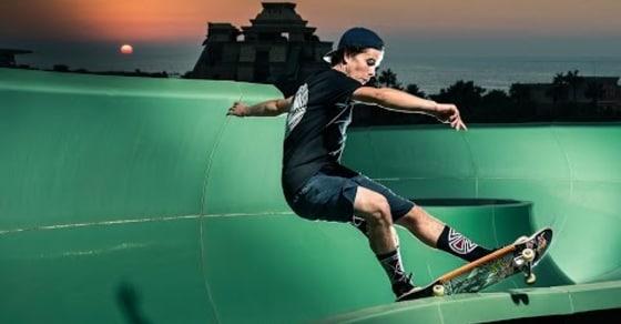 Red Bull Skateboarders Shut down Dubai Waterpark for Epic Skate Session!