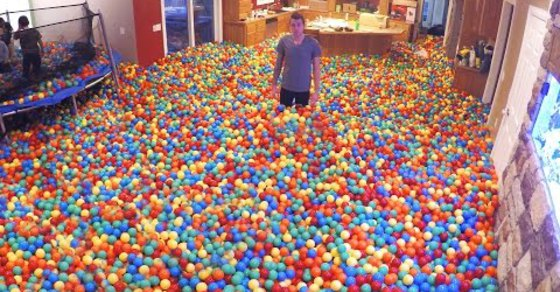 Husband Pranks Wife, Makes Entire House Plastic Ball Pit