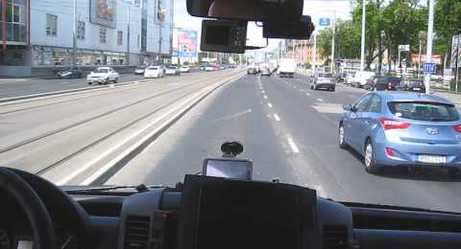 Dash Cam Captures Impeccable Driving by Hungarian Ambulance Driver