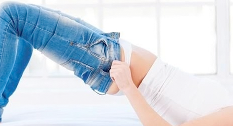 Things Every Woman Goes Through While Jeans Shopping