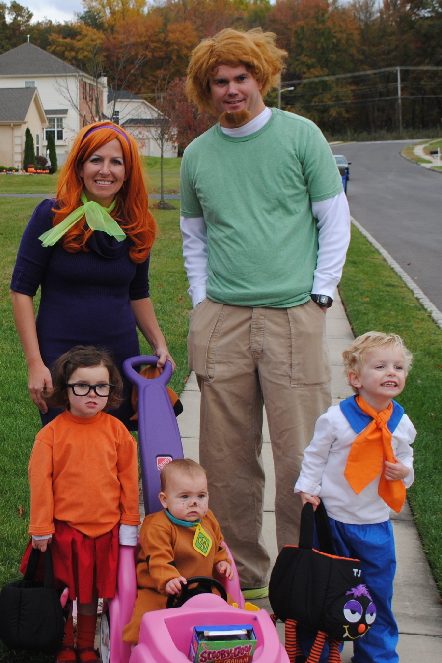 Halloween Costumes Family Of 4.Epic Family Halloween Costumes The Incredibles Kelly Rowland