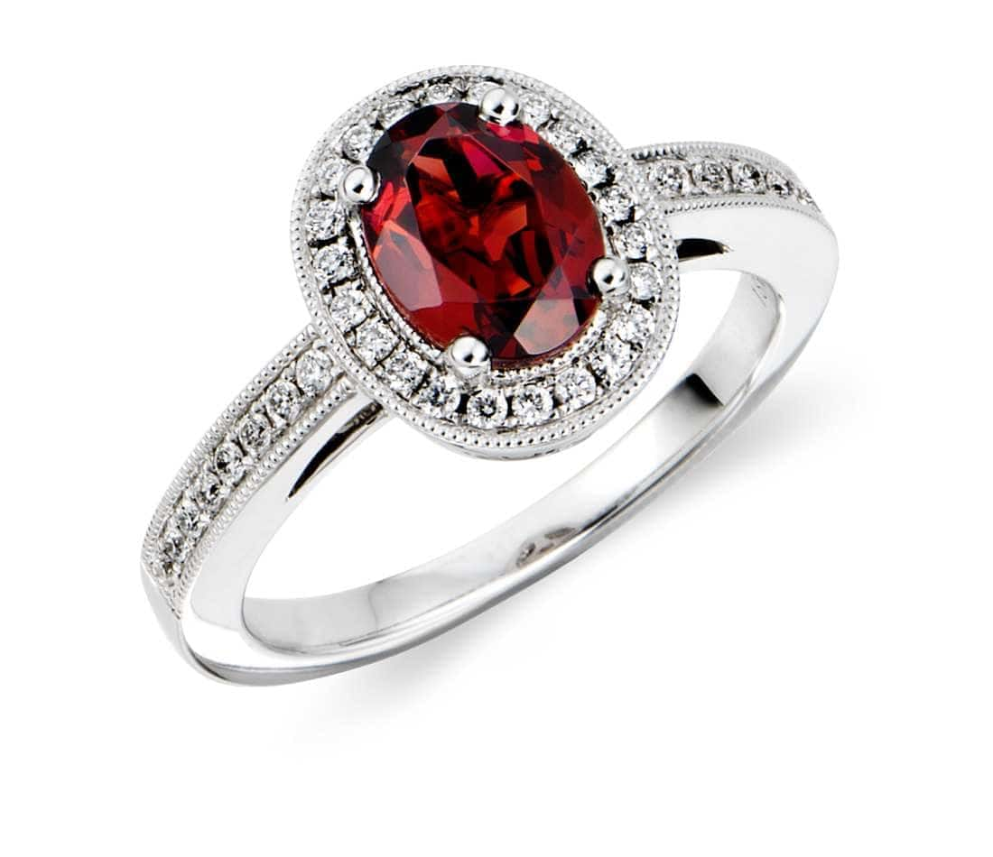 Garnet Bands: This Is What Your Birthstone Says About Your Personality