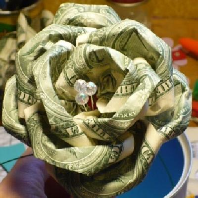 Как из денежной купюры сделать розу
