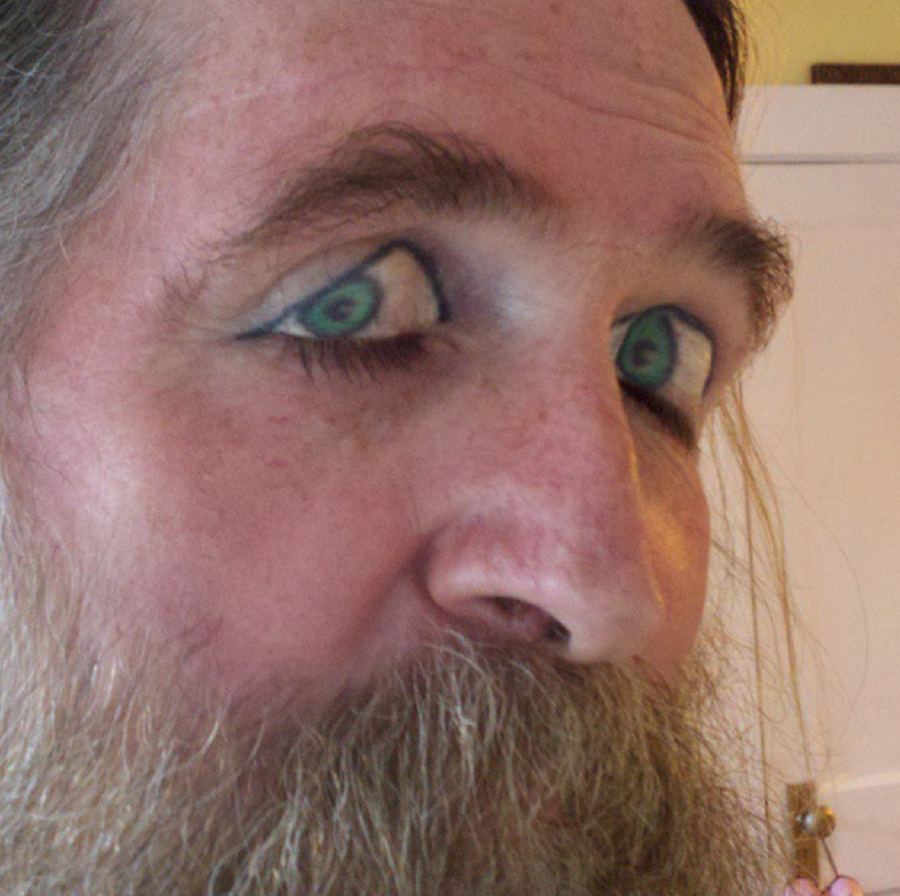 Eyelid Tattoos You Can T Unsee This Is What Happens When Guff