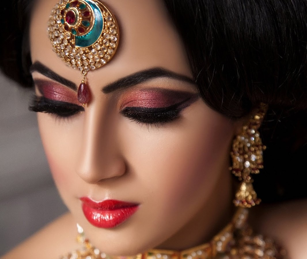 Indian Bridal Eye Makeup: 13 Things People Who Wear Makeup Are Tired Of Hearing